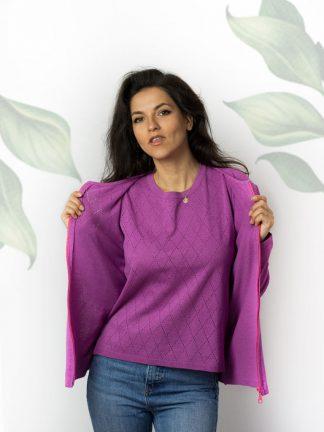 Twinset violet parfait pour le fil de coton d'été et le tricot fantaisie